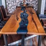table_na_kolesah_01s